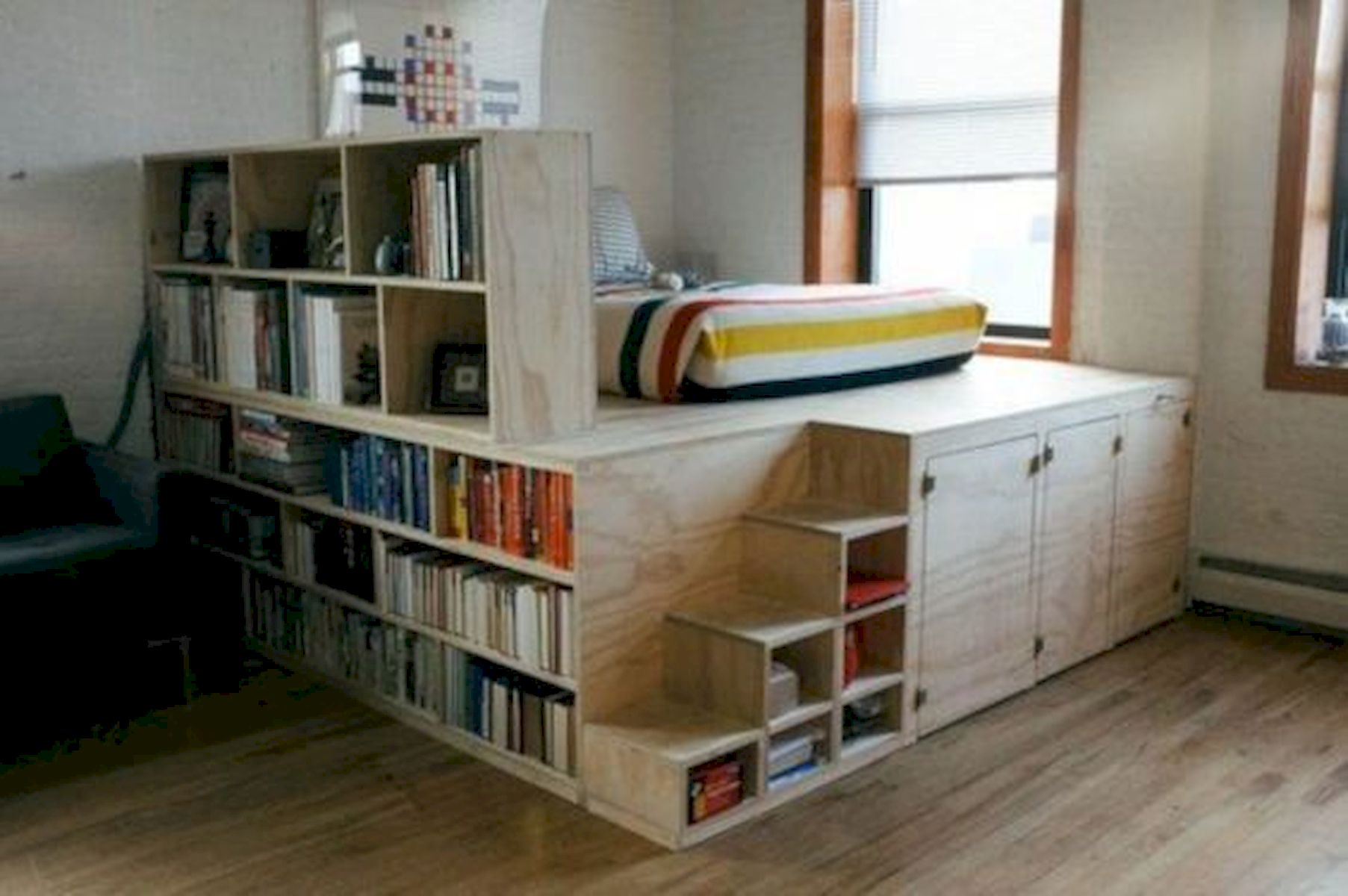 60 Brilliant Space Saving Ideas For Small Bedroom (10)