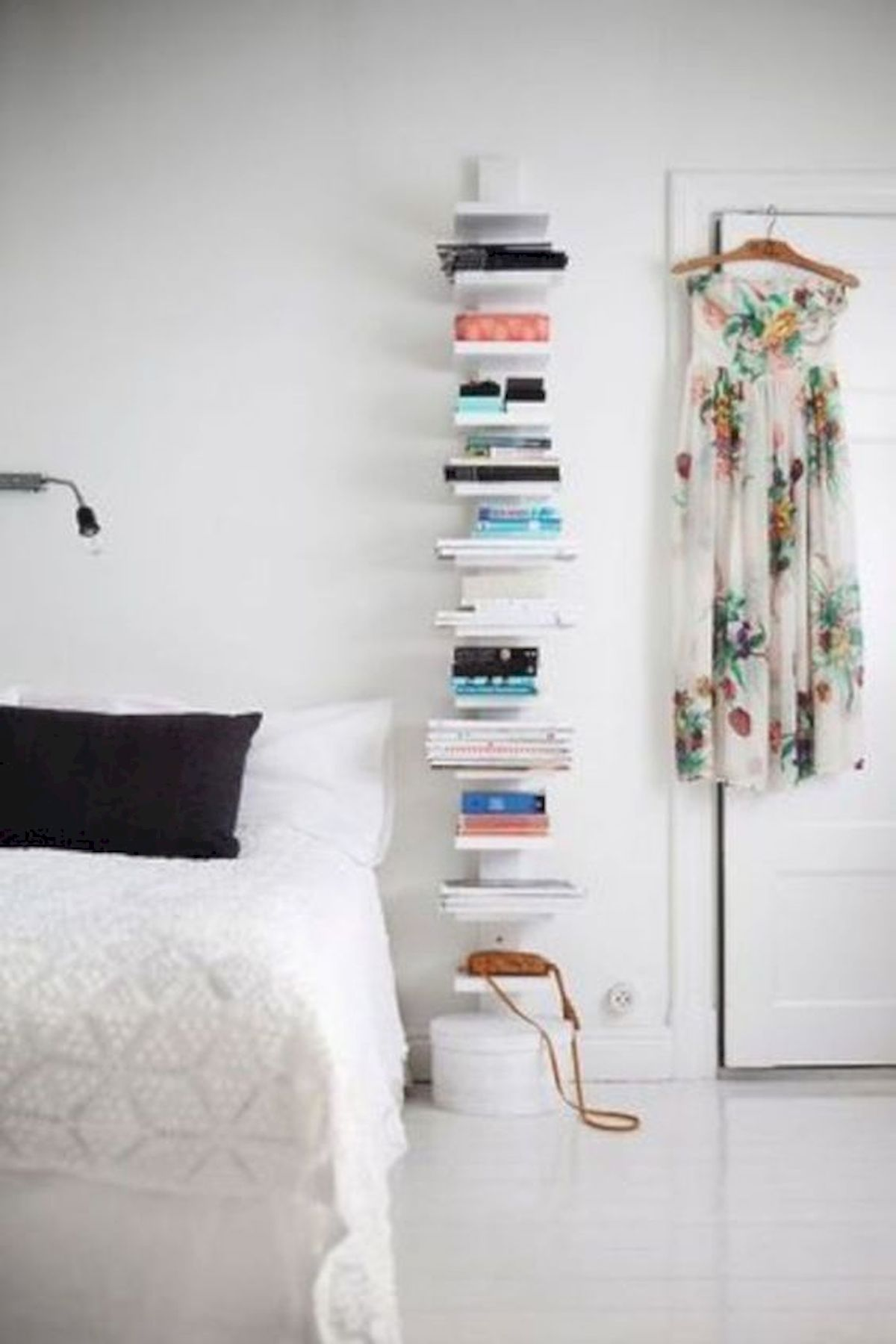 60 Brilliant Space Saving Ideas For Small Bedroom (21)