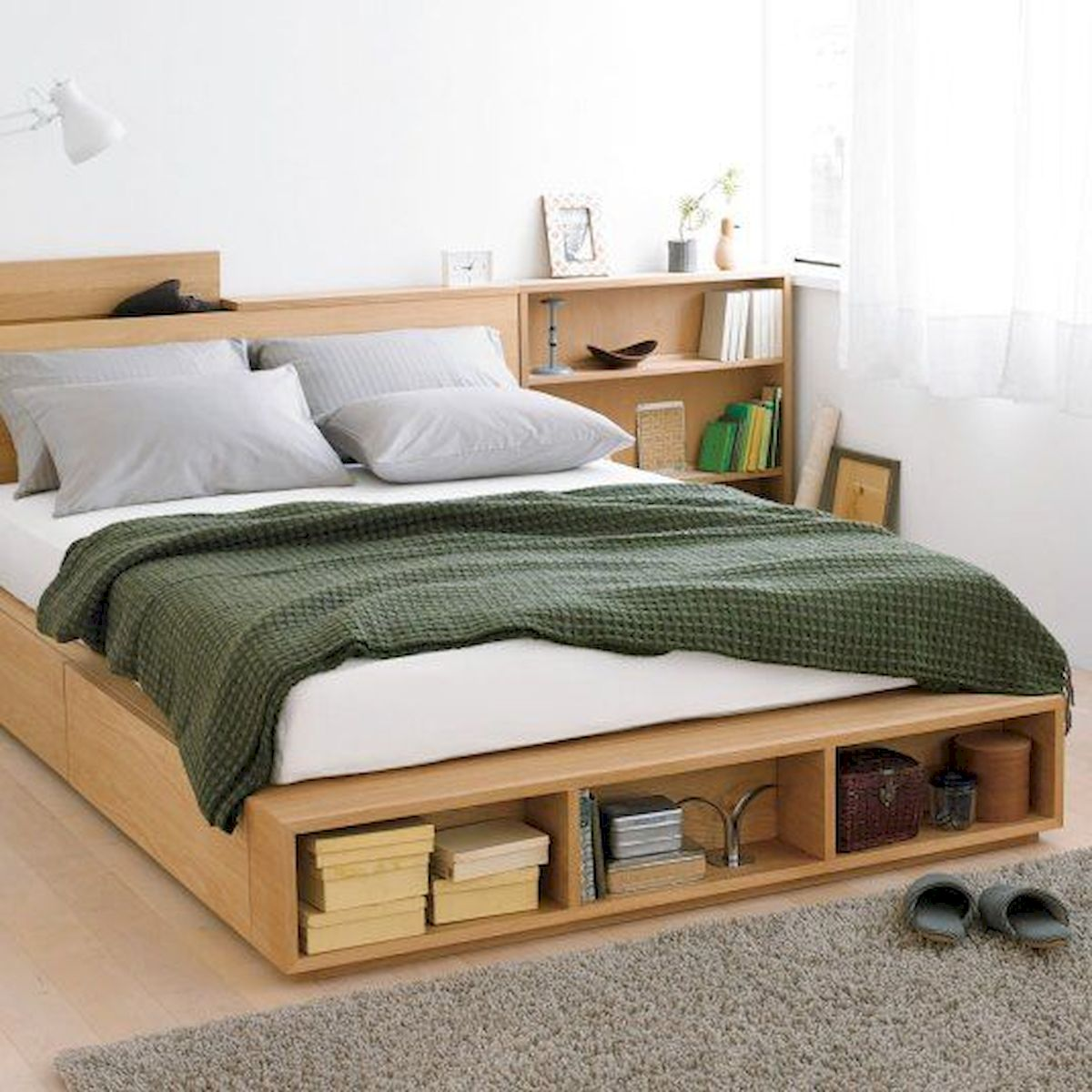 60 Brilliant Space Saving Ideas For Small Bedroom (26)