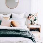 50 Amazing Modern Bedroom Decoration Ideas with Luxury Design (27)
