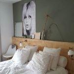 50 Amazing Modern Bedroom Decoration Ideas with Luxury Design (42)