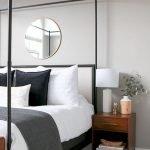 50 Amazing Modern Bedroom Decoration Ideas with Luxury Design (49)