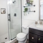50 Awesome Modern Farmhouse Bathroom Remodel Ideas (10)