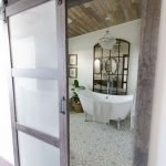 50 Awesome Modern Farmhouse Bathroom Remodel Ideas (13)