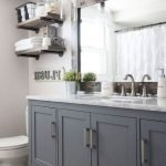 50 Awesome Modern Farmhouse Bathroom Remodel Ideas (20)