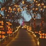 30 Awesome Outdoor Halloween Decorations Ideas (14)
