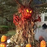 30 Awesome Outdoor Halloween Decorations Ideas (21)