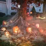 30 Awesome Outdoor Halloween Decorations Ideas (24)
