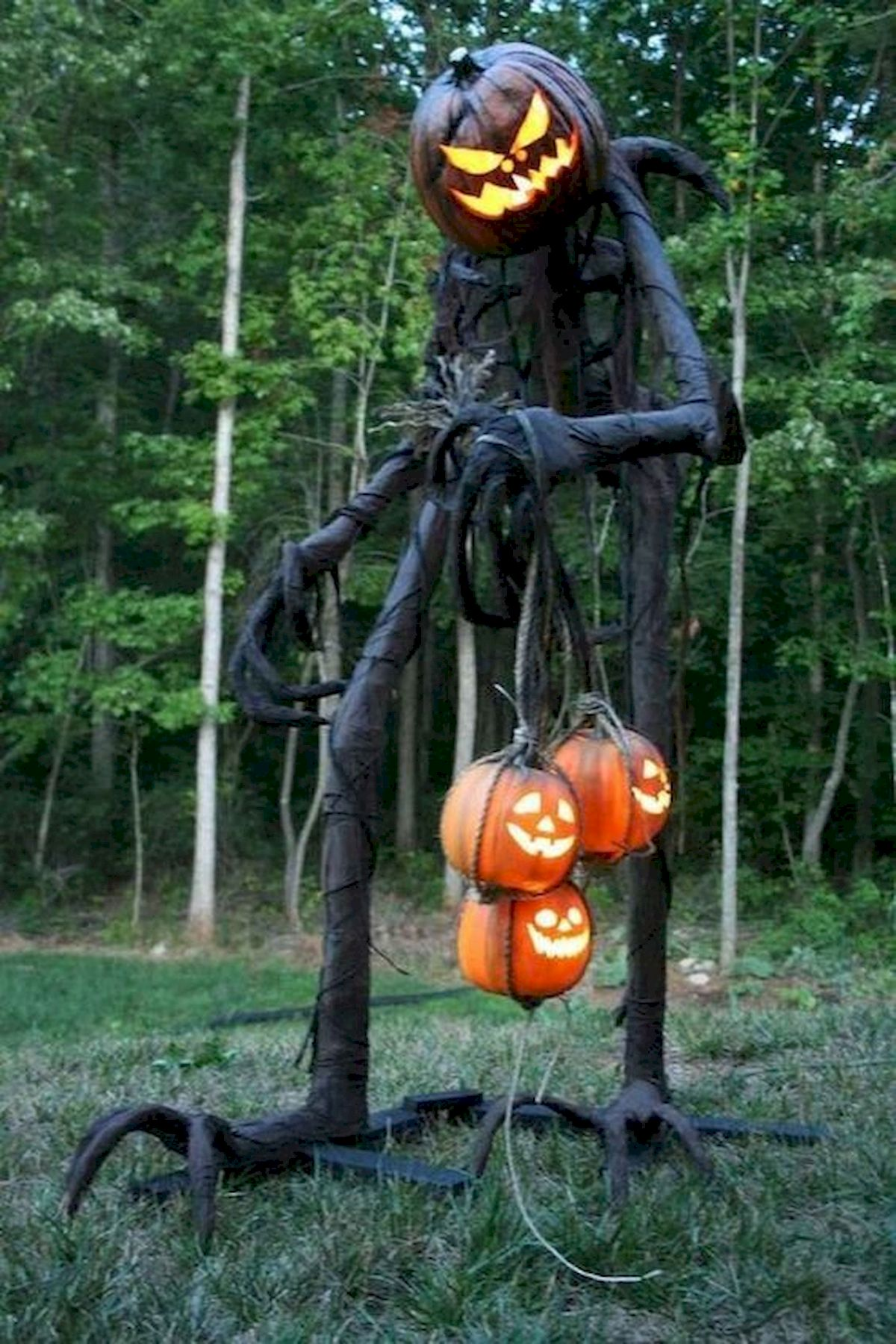 30 Awesome Outdoor Halloween Decorations Ideas (3)