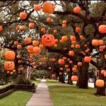 30 Awesome Outdoor Halloween Decorations Ideas (7)