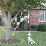 30 Awesome Outdoor Halloween Decorations Ideas (8)