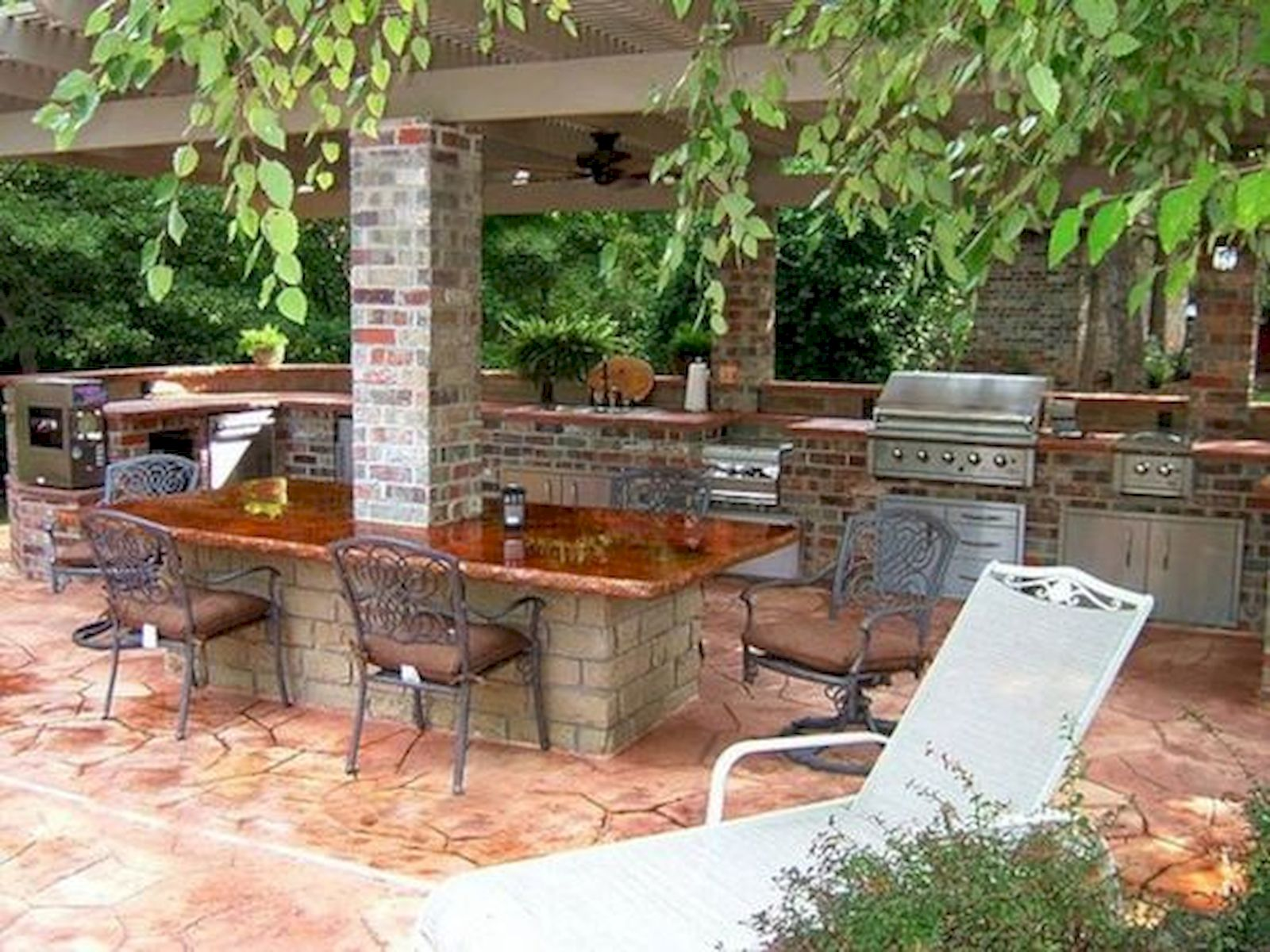 30 Fantastic Outdoor Kitchen Ideas and Design On A Budget (1)