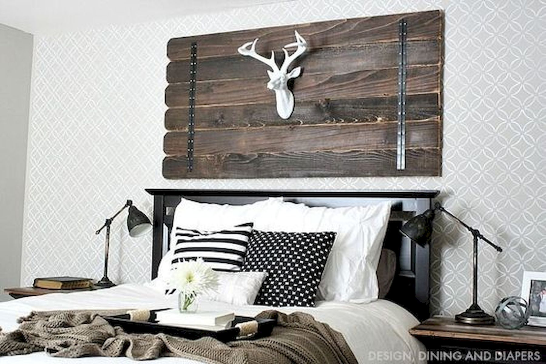 40 Classic Farmhouse Bedroom Design and Decor Ideas That Make Your Home Feel Great (1)