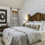 40 Classic Farmhouse Bedroom Design and Decor Ideas That Make Your Home Feel Great (12)