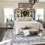 40 Classic Farmhouse Bedroom Design and Decor Ideas That Make Your Home Feel Great (13)