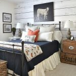 40 Classic Farmhouse Bedroom Design and Decor Ideas That Make Your Home Feel Great (14)