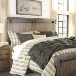 40 Classic Farmhouse Bedroom Design and Decor Ideas That Make Your Home Feel Great (17)