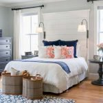 40 Classic Farmhouse Bedroom Design and Decor Ideas That Make Your Home Feel Great (28)