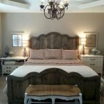 40 Classic Farmhouse Bedroom Design and Decor Ideas That Make Your Home Feel Great (31)
