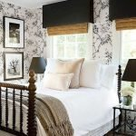 40 Classic Farmhouse Bedroom Design and Decor Ideas That Make Your Home Feel Great (39)