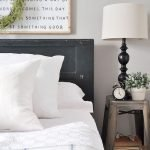 40 Classic Farmhouse Bedroom Design and Decor Ideas That Make Your Home Feel Great (40)