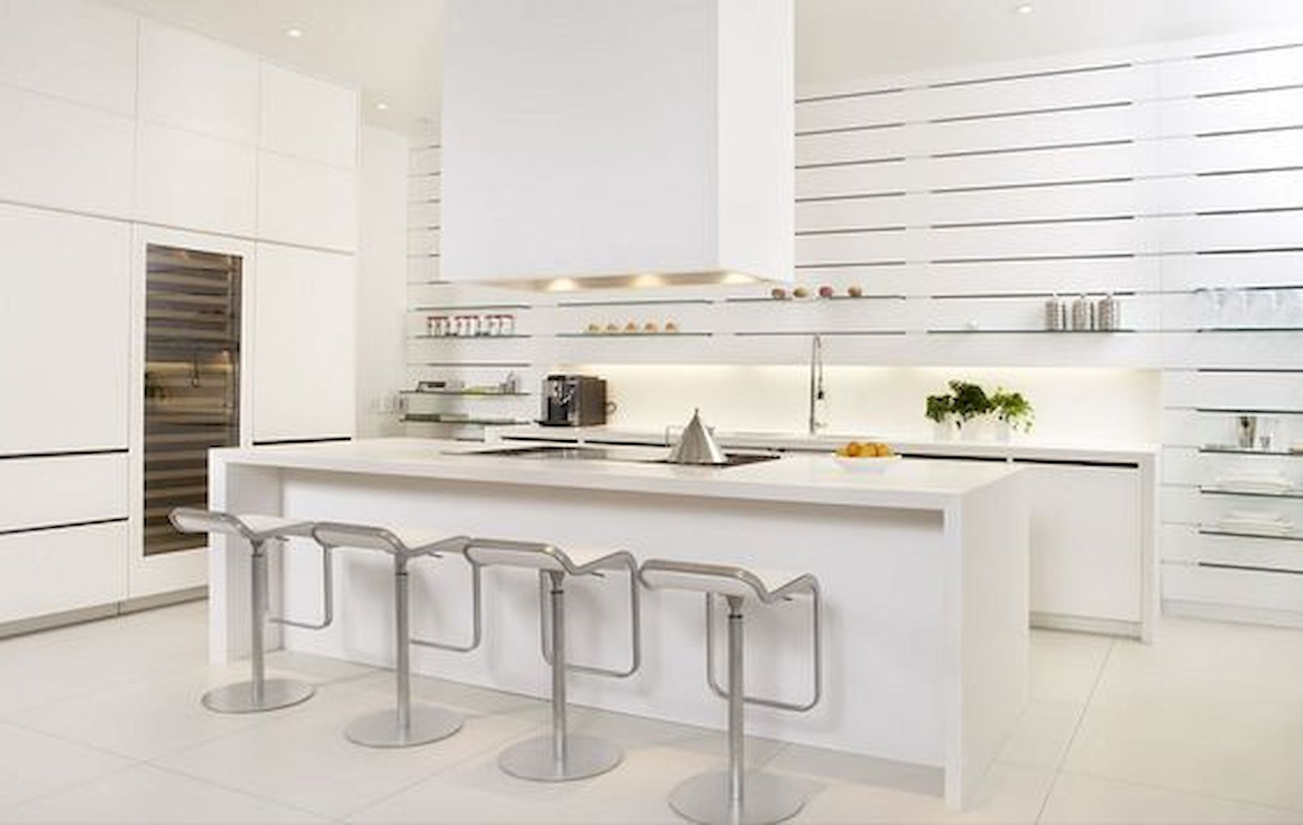 40 Elegant White Kitchen Design And Decor Ideas 12