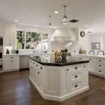 40 Elegant White Kitchen Design and Decor Ideas (15)