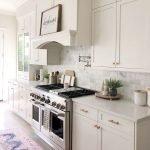 40 Elegant White Kitchen Design and Decor Ideas (24)