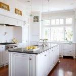 40 Elegant White Kitchen Design and Decor Ideas (34)