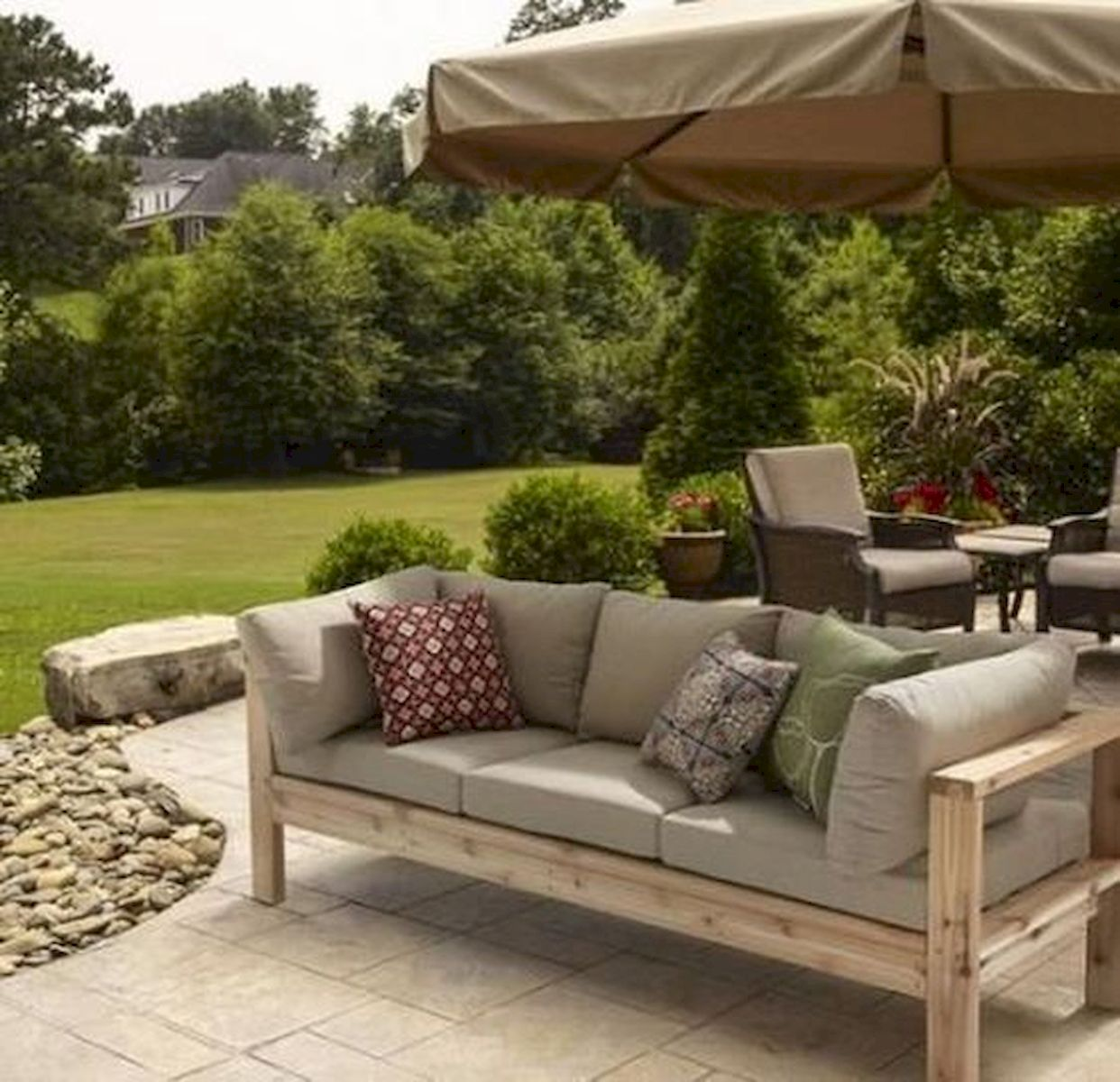 40 Fantastic Outdoor Bench Ideas For