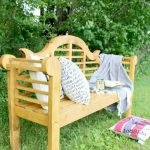 40 Fantastic Outdoor Bench Ideas For Backyard and Front Yard Garden (5)