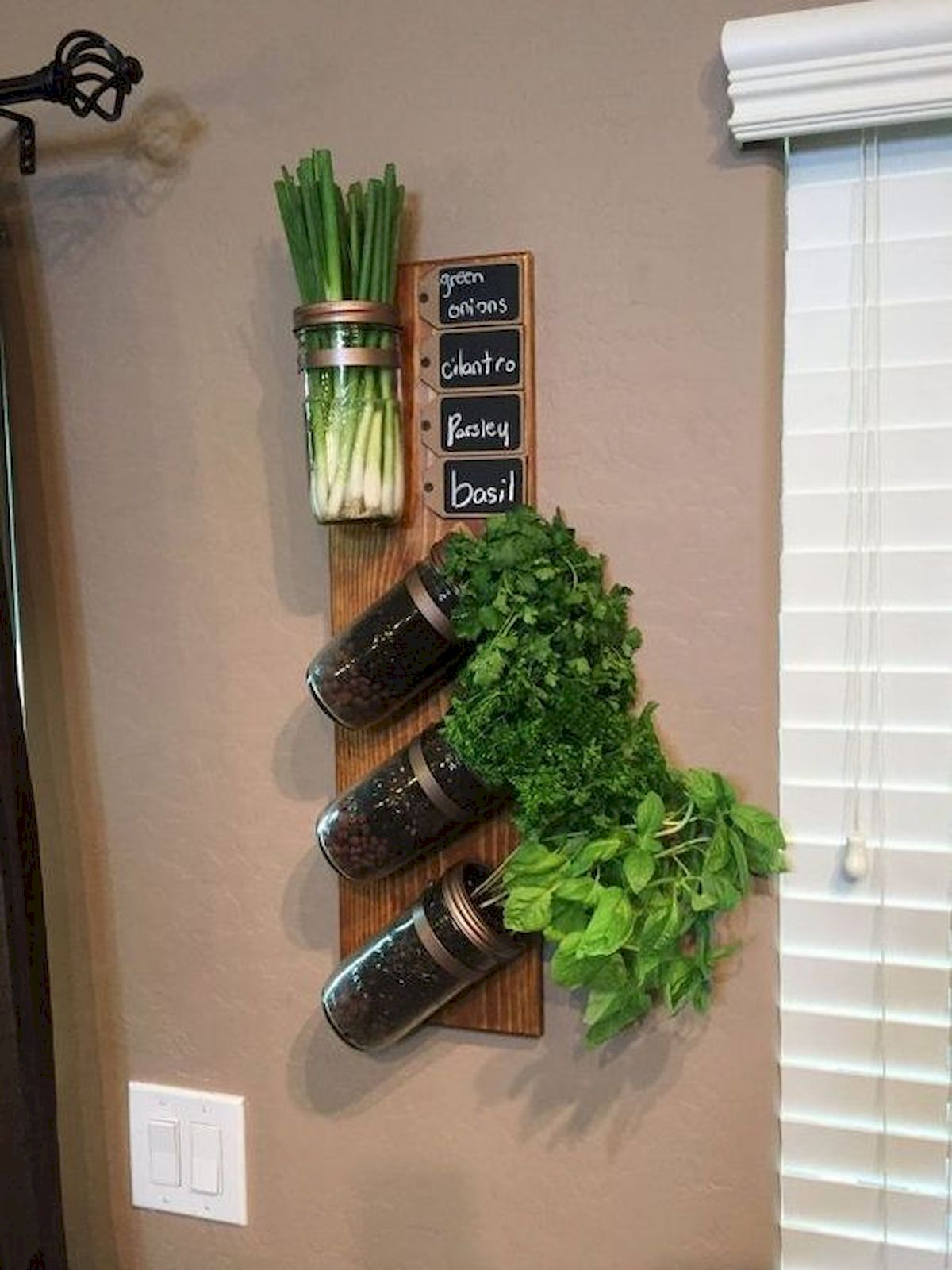 44 Fantastic Vertical Garden Ideas To Make Your Home Beautiful (11)