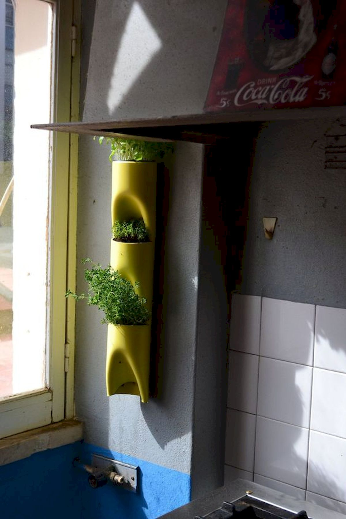 44 Fantastic Vertical Garden Ideas To Make Your Home Beautiful (13)