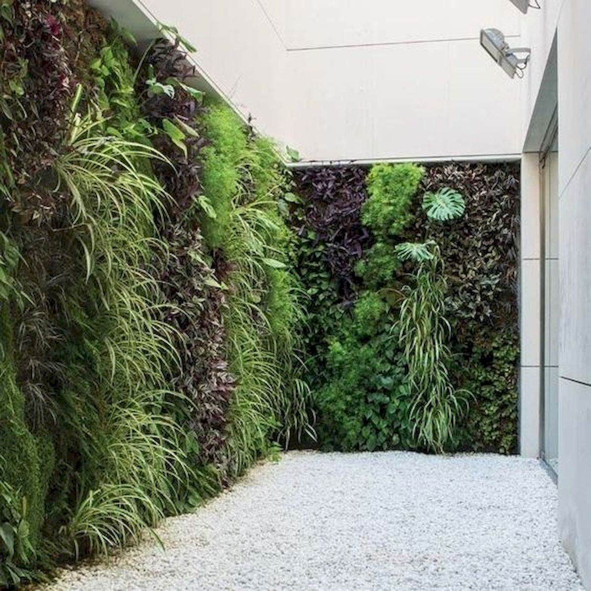 44 Fantastic Vertical Garden Ideas To Make Your Home Beautiful (31)