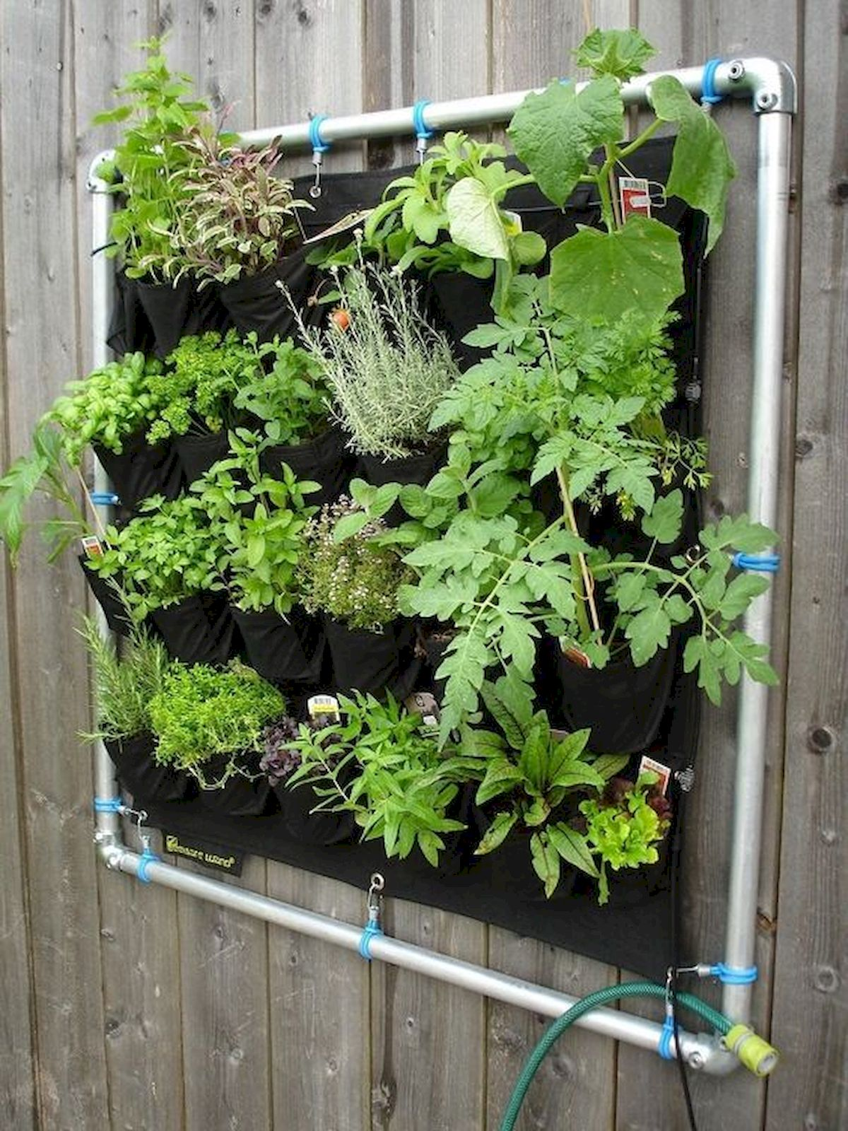 44 Fantastic Vertical Garden Ideas To Make Your Home Beautiful (36)