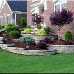 48 Stunning Front Yard Landscaping Ideas That Make Beautiful Garden (1)