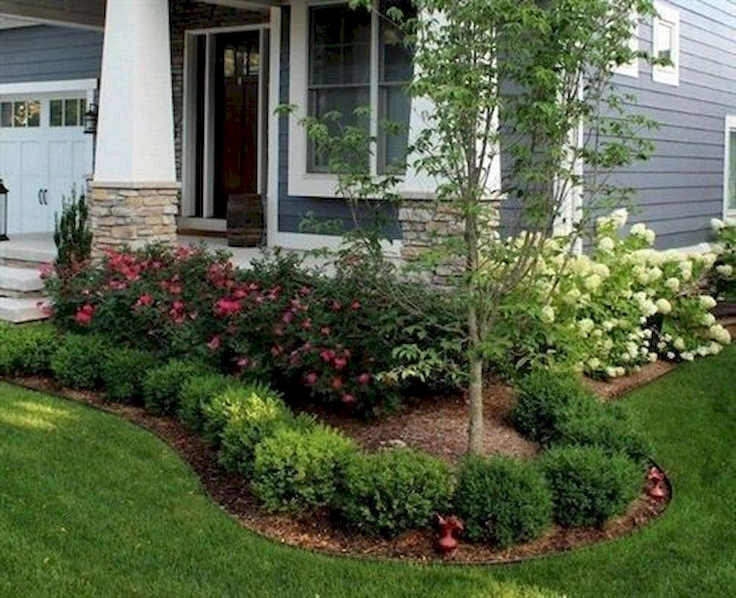 48 Stunning Front Yard Landscaping Ideas That Make Beautiful Garden (11)