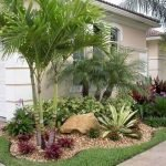 48 Stunning Front Yard Landscaping Ideas That Make Beautiful Garden (15)