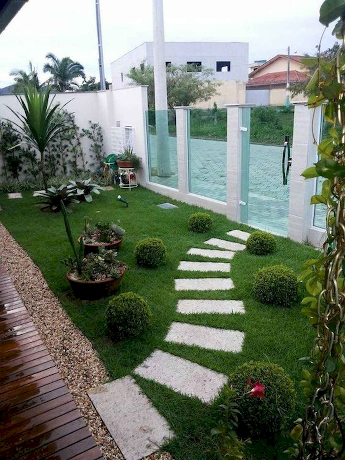 48 Stunning Front Yard Landscaping Ideas That Make Beautiful Garden (16)