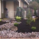 48 Stunning Front Yard Landscaping Ideas That Make Beautiful Garden (18)