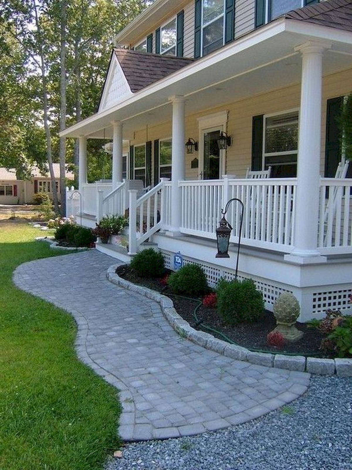 48 Stunning Front Yard Landscaping Ideas That Make Beautiful Garden (20)