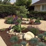 48 Stunning Front Yard Landscaping Ideas That Make Beautiful Garden (22)