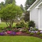 48 Stunning Front Yard Landscaping Ideas That Make Beautiful Garden (28)