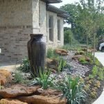 48 Stunning Front Yard Landscaping Ideas That Make Beautiful Garden (31)