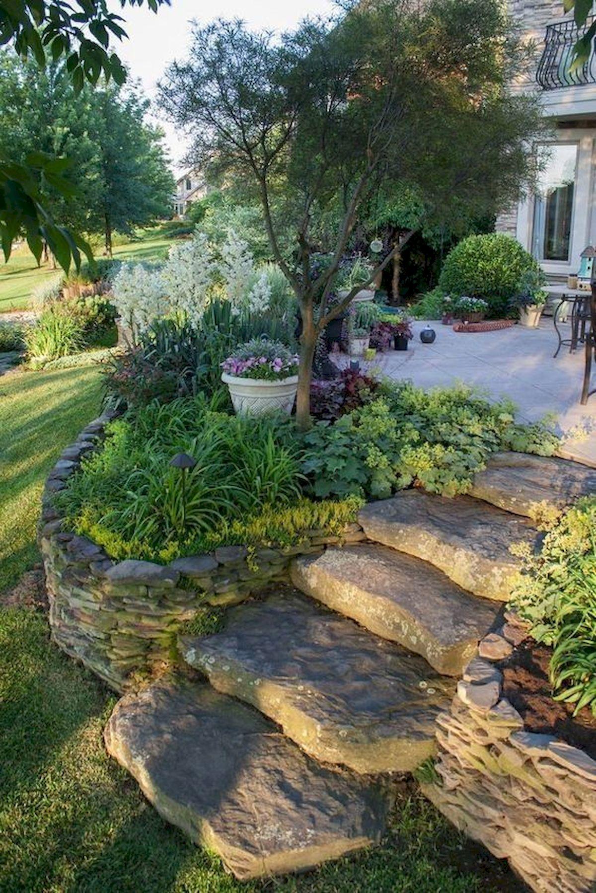 48 Stunning Front Yard Landscaping Ideas That Make Beautiful Garden (32)