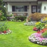 48 Stunning Front Yard Landscaping Ideas That Make Beautiful Garden (37)