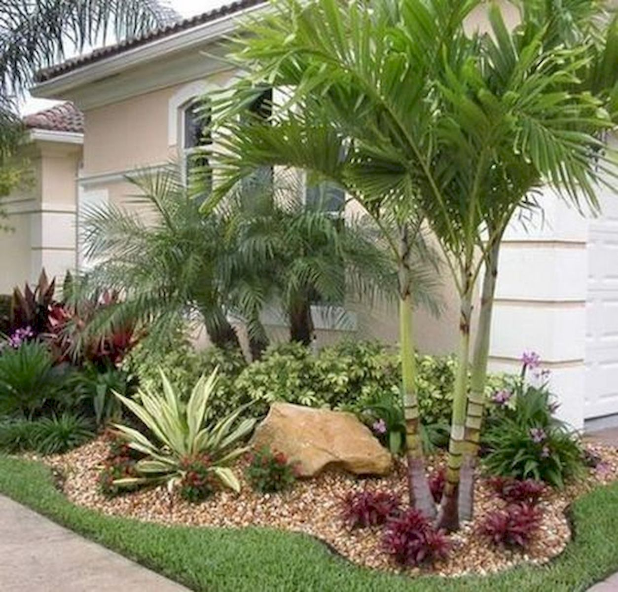 48 Stunning Front Yard Landscaping Ideas That Make Beautiful Garden (39)