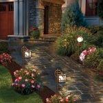 48 Stunning Front Yard Landscaping Ideas That Make Beautiful Garden (47)