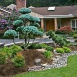 48 Stunning Front Yard Landscaping Ideas That Make Beautiful Garden (7)