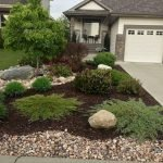 48 Stunning Front Yard Landscaping Ideas That Make Beautiful Garden (8)